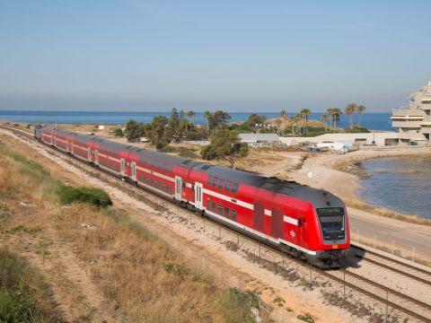 נשים רבות בדרג ההנהלה [צילום: רכבת ישראל]