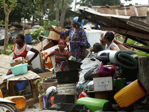 נשים בחוף השנהב [צילום: דיאומנדה בלונדה, AP]
