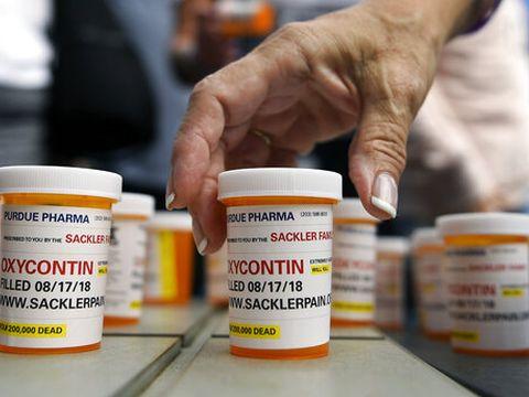החולה יבחר בתרופה היקרה [צילום: ג'סיקה היל, AP]