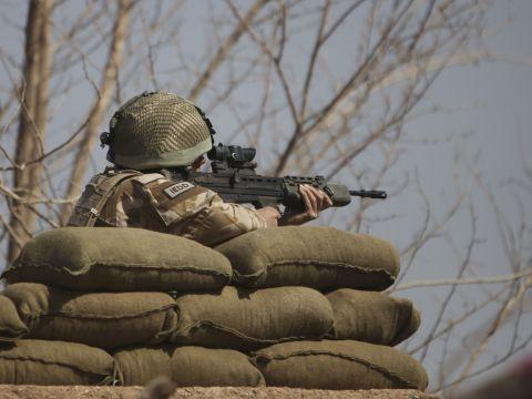 חיילת בריטית באפגניסטן [צילום: אלטאף קאדרי, AP]