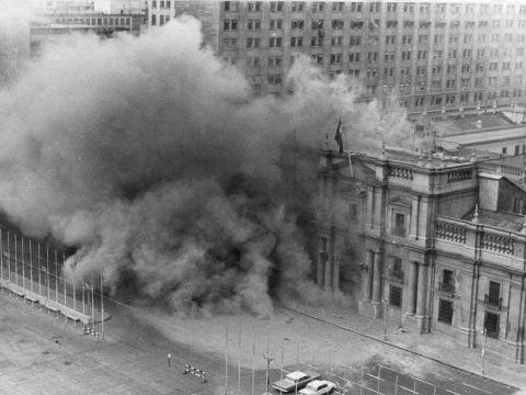 הפצצת הארמון הנשיאותי [צילום: AP]